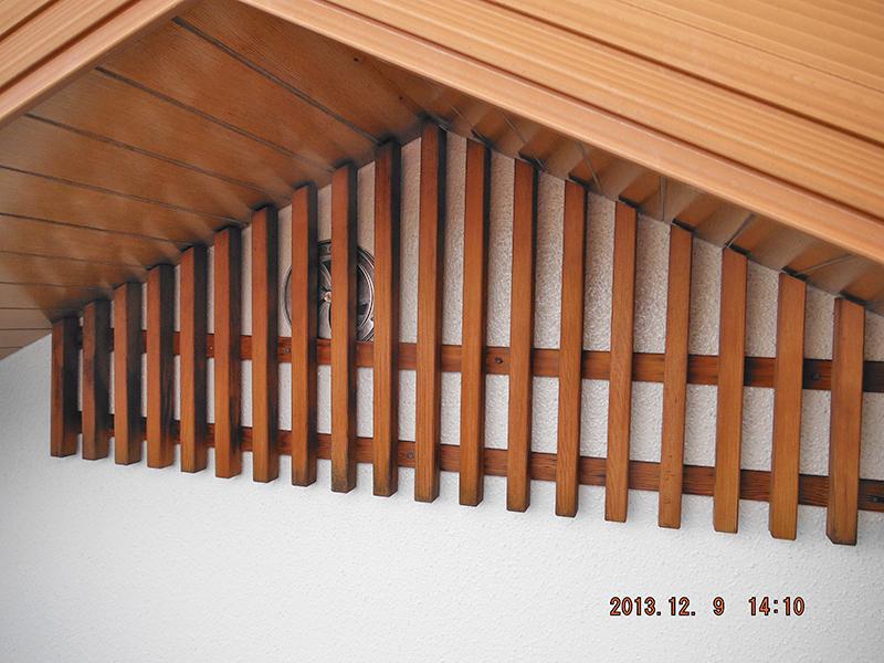 19日目(妻ガラリ・小庇屋根塗装・タスペーサー入れ込み完了)