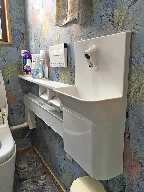 4/61階トイレ手洗器カウンター工事